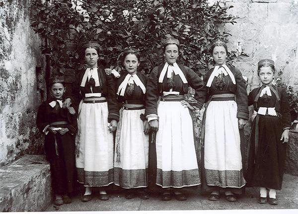 6-djevojka-web-Zavičajni-muzej-Konavala